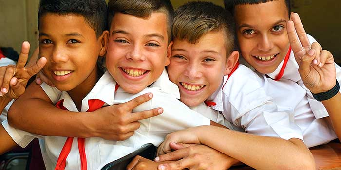 Cuba kids express friendship with Americans